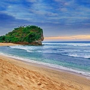 Jogja Tour- Pantai Indrayanti di Gunungkidul